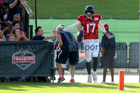 8-18-2016texanstrainingcamp_0007